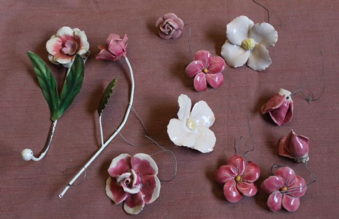 DECORATIVE FLOWERS, CERAMIC & METAL FLOWERS